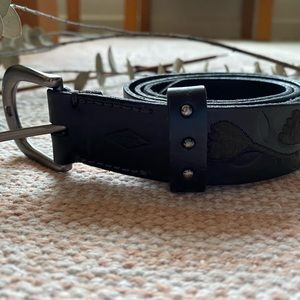 Embroidered Fossil Leather Belt